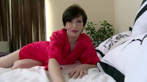 Clips4Sale - Mrs Mischief - Spooning Mommy [FullHD 1080p]