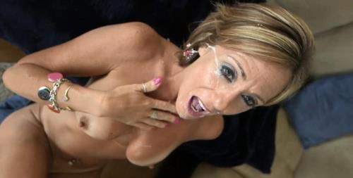 Felicity - Felicity - 44 year old cougar in her sexual prime(BTS-bonus) (2013/MomPov.com/HD)